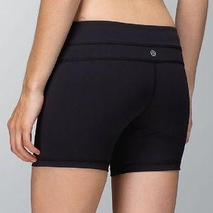 Lululemon Groove Tight Fit Shorts Black Mint!